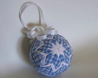 "Blue and white ""Dorothy"" ornament"