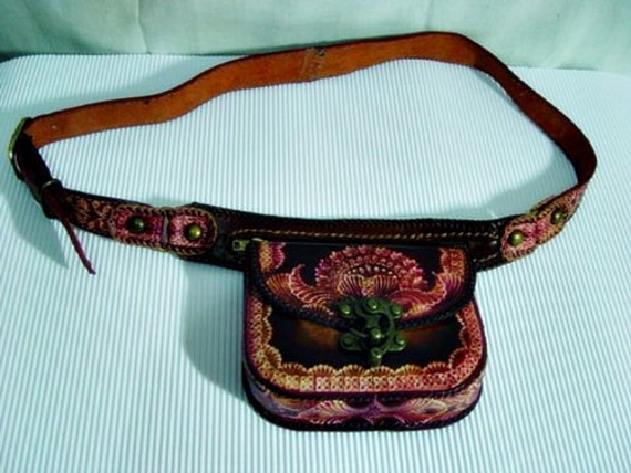 a belt pouch sting pattern on the leather