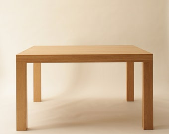 Dining table oak solid, oiled, 1, 30m x 1, 30m x 0.74 m