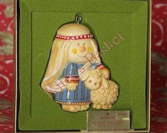 Hallmark Ornament 1976 Shepherd Tree-Treat with box