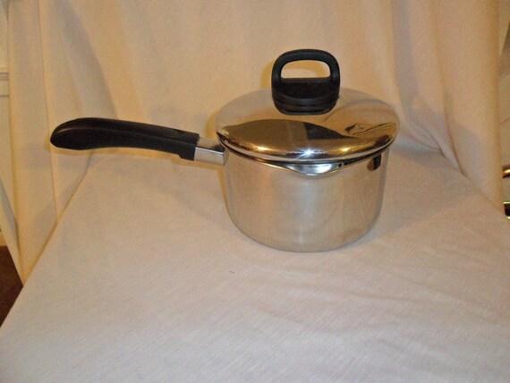 vintage revere ware 2 1 2 qt pot saucepan with strainer lid. Black Bedroom Furniture Sets. Home Design Ideas