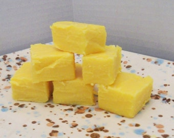 Banana Cream Fudge One Pound (1/2 lb) 8 oz Yummy Creamy Gourmet Fudge With Or Without Banana Chips