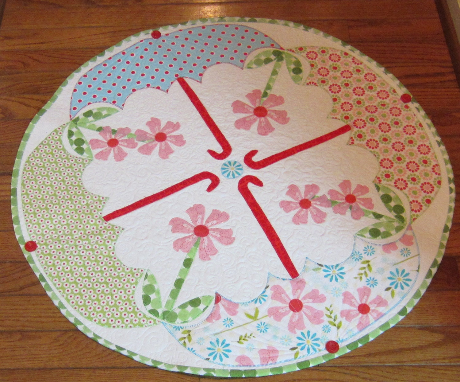 april showers round table topper pattern