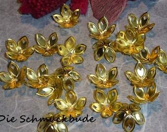 D-03222 - 25 Bead caps Gold 18mm