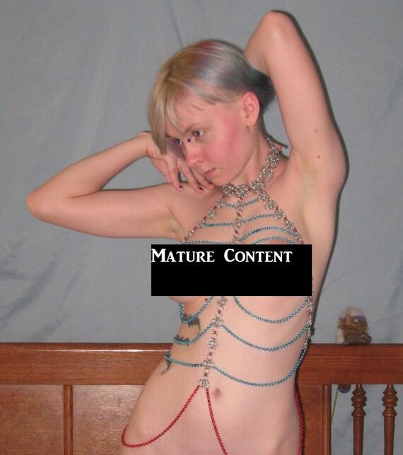 Lesbian milf seduces girl