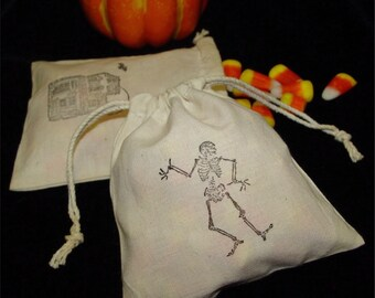 Halloween Party favor bags, trick or treat, candy, jewelry bags, skeleton, haunted house, set of 4 bags