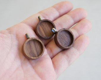 Dainty and neat hardwood pendant blanks - Walnut - Brass Bail - 18 mm - (Z18-W) - Set of 3