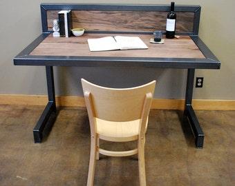 Kraftig Desk