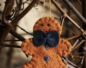 little gingerbread man felt ornament / brooch holiday decoration