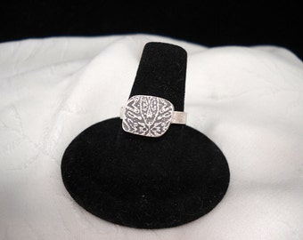 Textured Hollow Form Ring Size 7 1/2