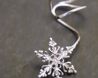 Sterling  EAR CUFF -  SNOWFALL - Intricate Silver Snowflake Earcuff