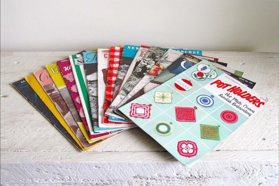 Assortment of 15 Vintage Crochet Booklets - Pot Holders, Chair Sets and Tablecloths 1930s-1950s