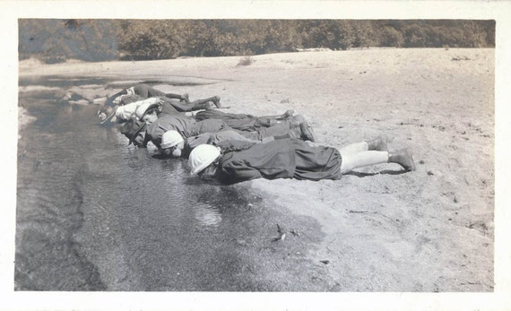 vintage photo FAmily in Yosemite Line up and Drink from River 1915 amazing