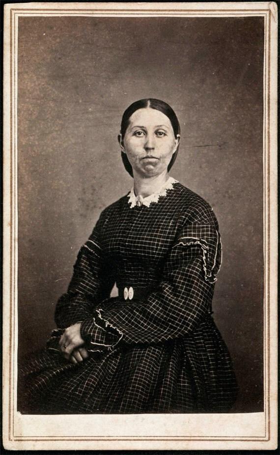 vintage photo Mrs Strowbridge who lost her husband in the Civil War carte de visite