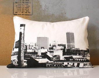 SALE - Milwaukee Skyline Pillow - Urban Throw Style no18 - City Skyline
