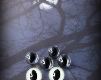 GLOW in the Dark Cat Eyes - Your Choice of Size - 12mm 15mm 18mm - 4 pairs Craft Safety Eyes