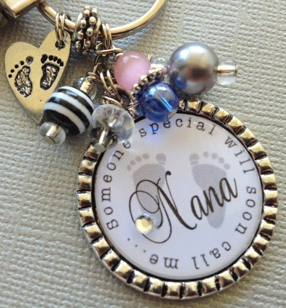 Pregnancy announcement, First time grandma, Grandma to Be, New Grandma Keychain, Necklace - baby shower, Mom, Nana, Mimi, Footrpints, stork