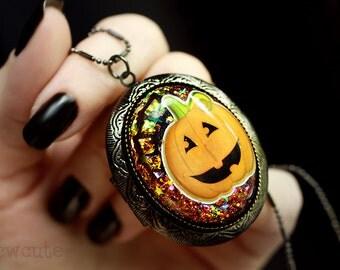 Halloween Jewelry, Halloween Locket, Jack O'Lantern Pumpkin Cameo, Festive Halloween Holiday Keepsake, One of a Kind Halloween Locket