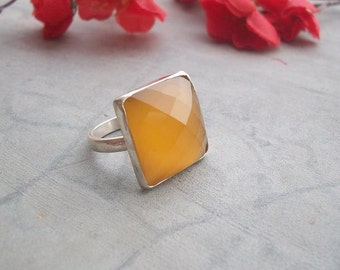 Canary yellow ring - Gemstone ring - Sterling silver ring - Chalcedony ring - Canary ring - Bezel ring - Christmas gift idea