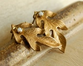 oak leaf earrings, golden brass, autumn jewelry, realistic metal leaf