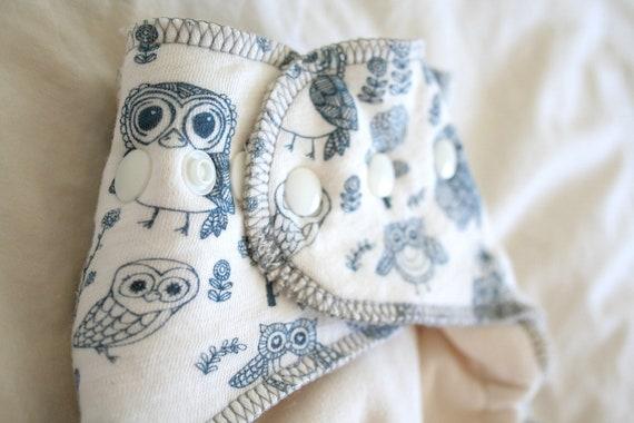night owl cloth diaper - organic nappy - cream and navy blue - OS fitted cloth diaper - hemp