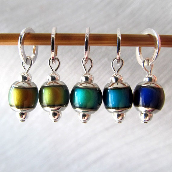The Secret of the Chromastone - Five Color Changing Mood Stitch Markers - Fits 5.0mm (8 US) To 8.0mm (13 US) - Open Edition