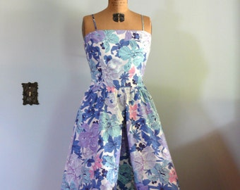 vintage 1950s Dress  // Hibiscus Floral Dress