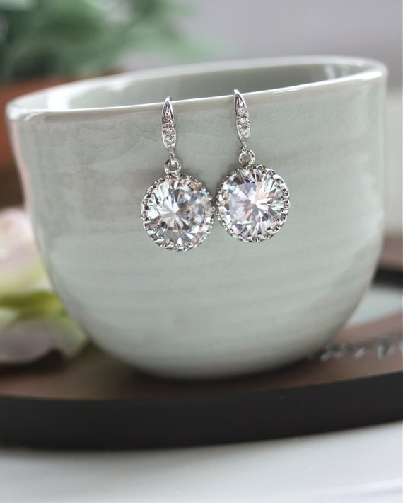 Bridal Wedding Earrings. A Round Cubic Zirconia White Crystal Sparkle Earrings. Maid of Honor.  Bridesmaid Gift. Wedding Jewelry.