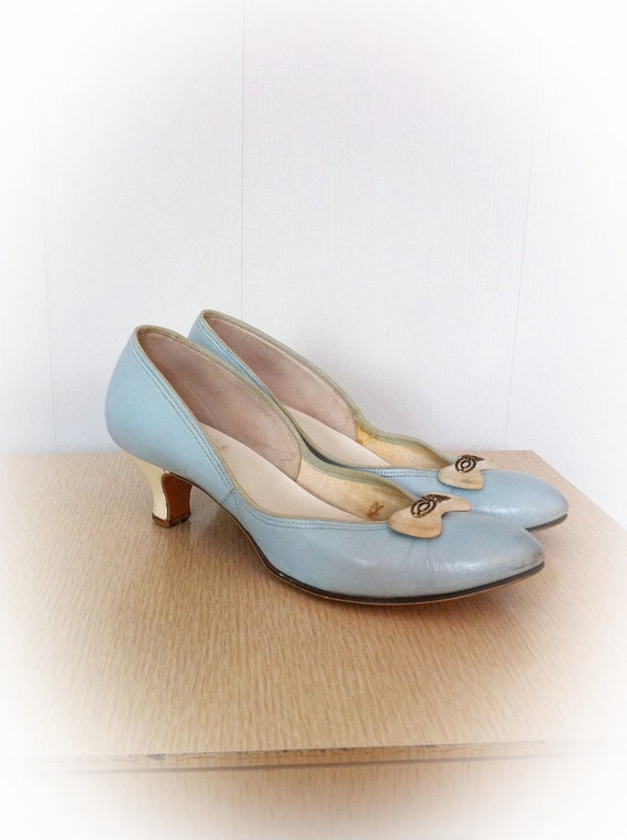 Vintage 1950s Shoes Baby Doll With Kitten Heels Sky Blue