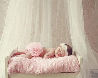 Pink Bloomer,  Ruffle Bum Baby Bloomer- Diaper Cover, Baby Girl Bloomer, Ruffle bum bloomer, Ruffle diaper cover, Newborn Bloomer,Cake smash