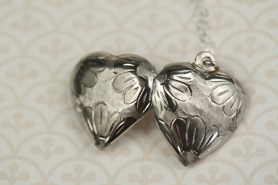 Sterling Silver Daisy Floral Heart Locket Necklace, Vintage Pendant
