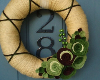 Yarn Wreath Felt Handmade Door Decoration - Greenery 12in
