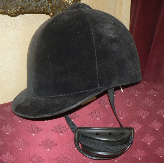 Vintage English Black Velvet Equestrian Horse Riding Hat Tress & Co London