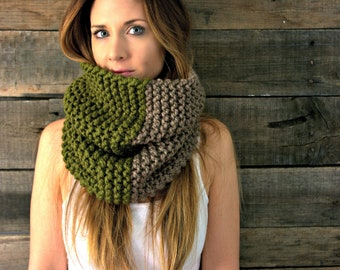 Infinity circle scarf cowl/THEHAWLEY-GREEN/Taupe and Cilantro