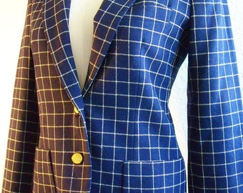 vintage geometric blue and white single breasted blazer with gold tone buttons and pockets