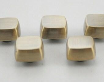5 pcs.Brushed Brass Flat Head Square Screwback Studs Leathercraft Decorations Findings 11 mm. SCBB0805