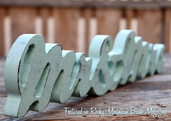 Wood Sign Mr & Mrs Wedding Photo Prop Shabby Chic something blue - Supporting Artists