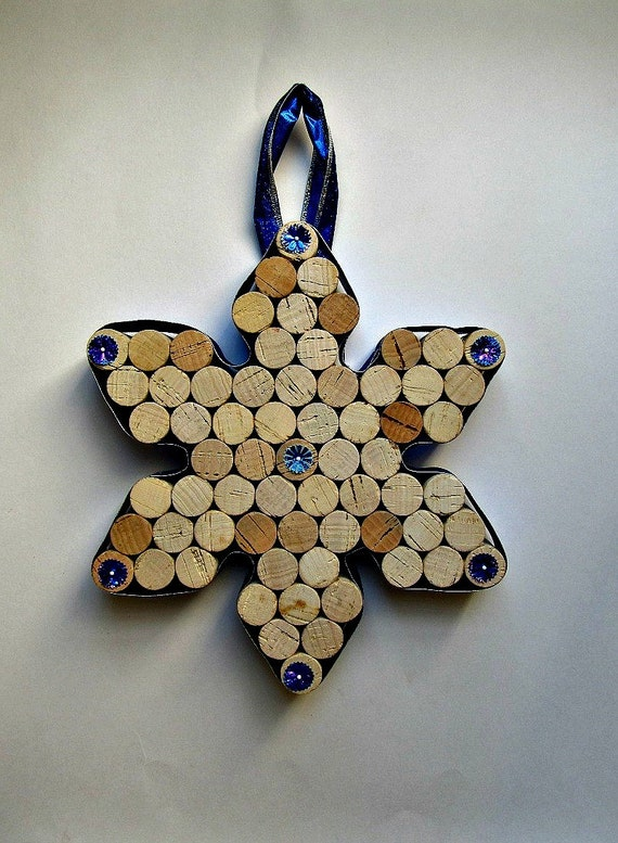 Wine cork snowflake wall hanging decoration by lizziejoedesigns