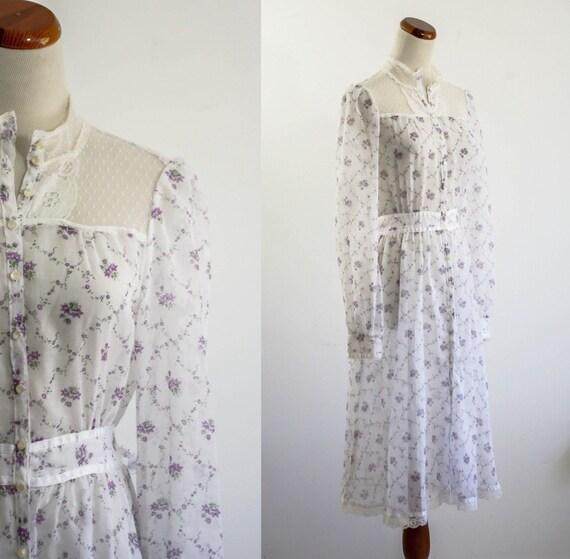 Vintage 70s Prairie Dress -- Sheer Purple Flower and Lace -- Small Medium