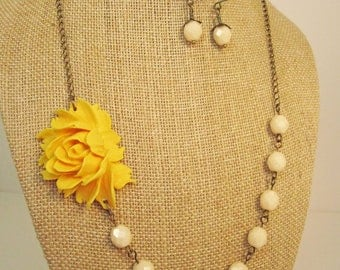 Bridesmaid Jewelry Set of 6 Mustard Yellow Statement Flower Necklace with Ivory Beads and Matching Earrings Yellow Necklace Yellow Jewelry