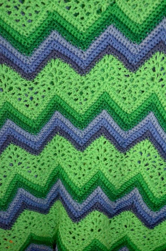 Vintage Ripple Crochet Afghan Pattern : Vintage Handmade Afghan Crochet Chevron Ripple Green and