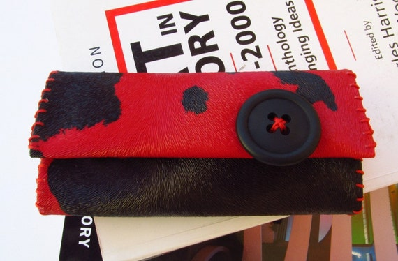 Red black tobacco pouch woman accessory