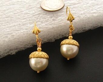 Wedding Ivory Pearl Earrings: Cream Pearl Earrings, White Pearl Earrings Acorn Earrings, Bridesmaids Gold Pearl Earrings, Bridal Earrings