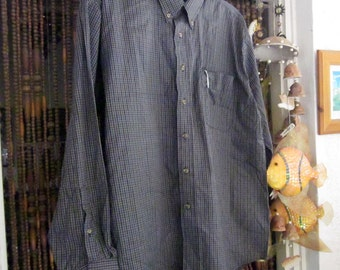 Men's Italian Plaid Classy Buttons Shirt with Almost Unnoticeable Front Pocket, Vintage - Large