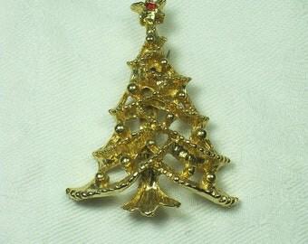 Vintage CHRISTMAS TREE BROOCH Gold & RHiNESTONE PiN Holiday Gift