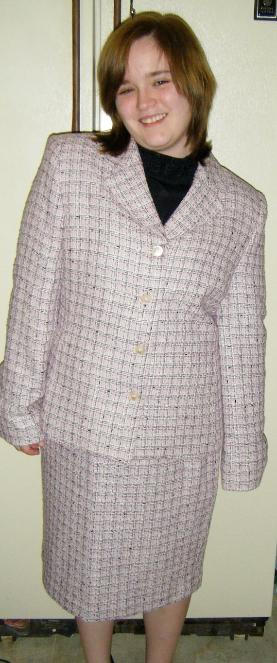 Vintage Ladies Pink Tailored Suit Lined Jacket & Matching Skirt Size 14 Only 8 USD
