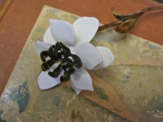 Sandor Flower Brooch Mod Floral Vintage 60s Enamel White with Black Curly Stamen 3D Collectible Rare