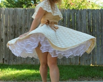 Lovely Lacey Lady 1970s Does 1950s Vintage The Square Dance Dress Co Tan And Lace Square Dance Dress With Full Circle Skirt Sz 10 / Medium