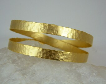 Gold Hammered bangle Chunky gold bracelet Statement bangle bracelet
