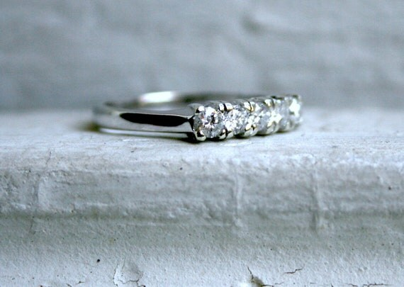 Lovely Vintage 9K White Gold Diamond Wedding Band - 0.50ct